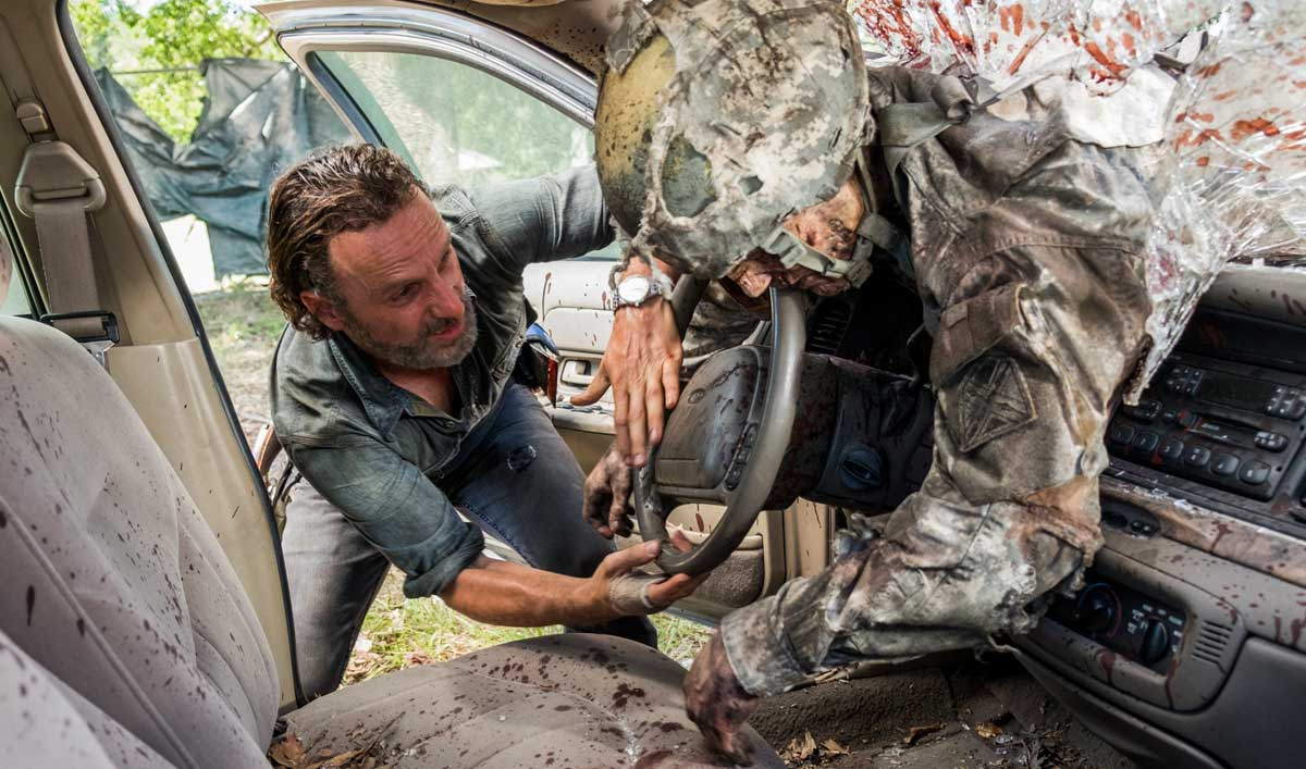 How the Cast and Crew Created the World&#8217;s Deadliest Carnival for <em>The Walking Dead</em> Season 7, Episode 12