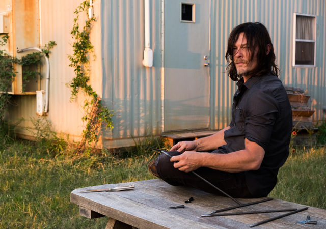 the-walking-dead-episode-714-daryl-reedus-935