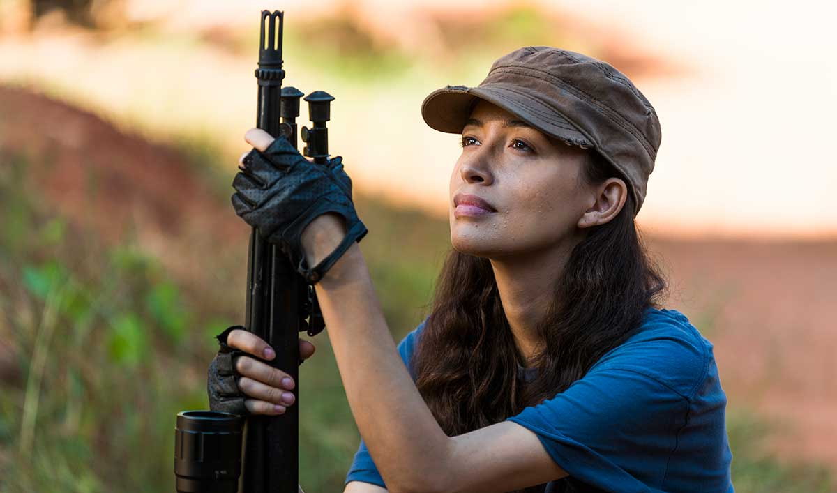 (SPOILERS) <em>The Walking Dead</em> Q&#038;A — Christian Serratos (Rosita)