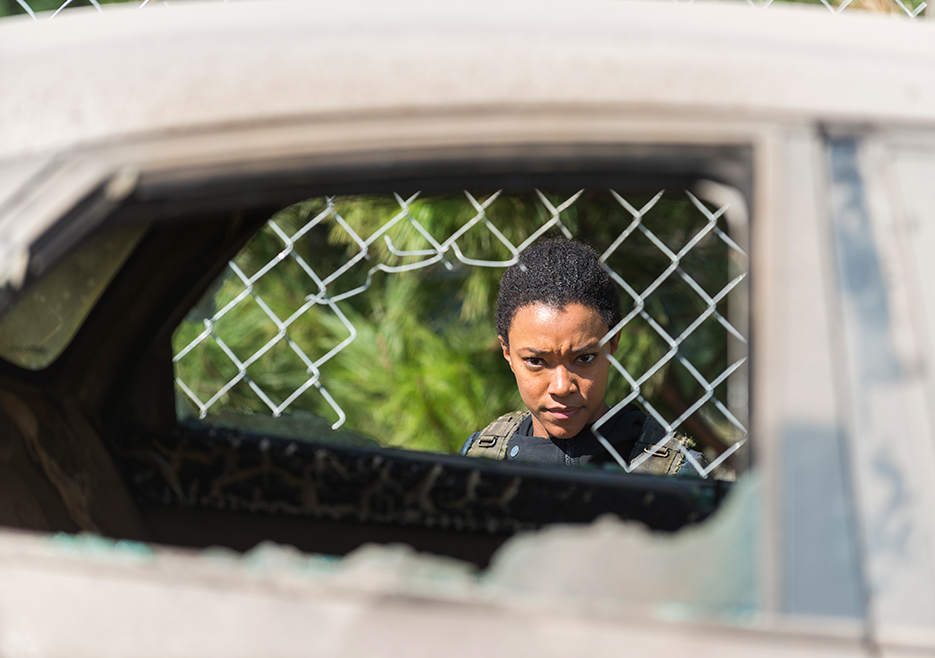 the-walking-dead-episode-714-sasha-martin-green-5-935