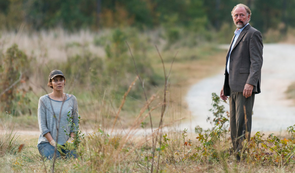 Sneak Peek of <em>The Walking Dead</em> Season 7, Episode 15: Will Maggie and Gregory Form a United Front?