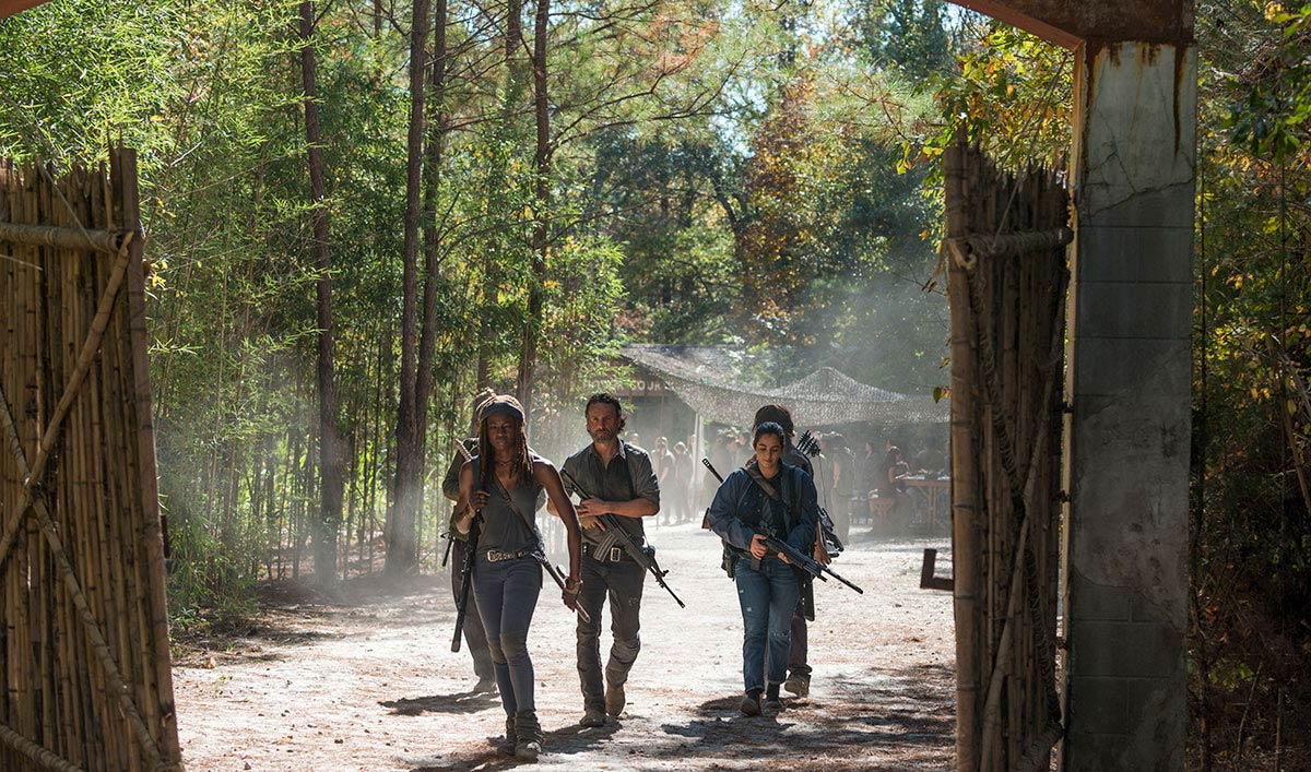 Norman Reedus, Andrew Lincoln Talk Finale in <em>EW</em>; <em>Yahoo TV</em> Chats With Denise Huth