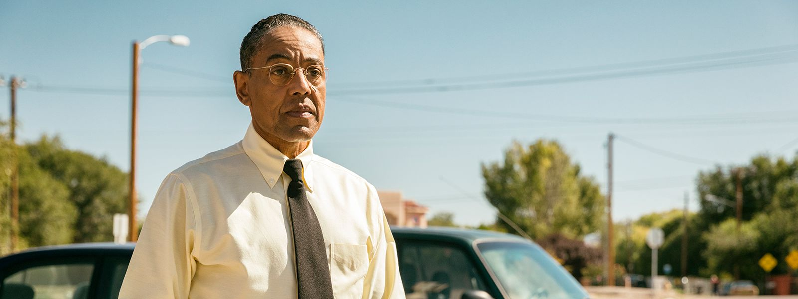 better-call-saul-giancarlo-esposito-gus-fring-302-post-800×600