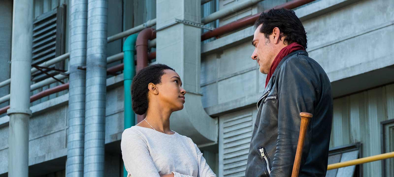 the-walking-dead-episode-716-sasha-martin-green-negan-morgan-800×600-interview
