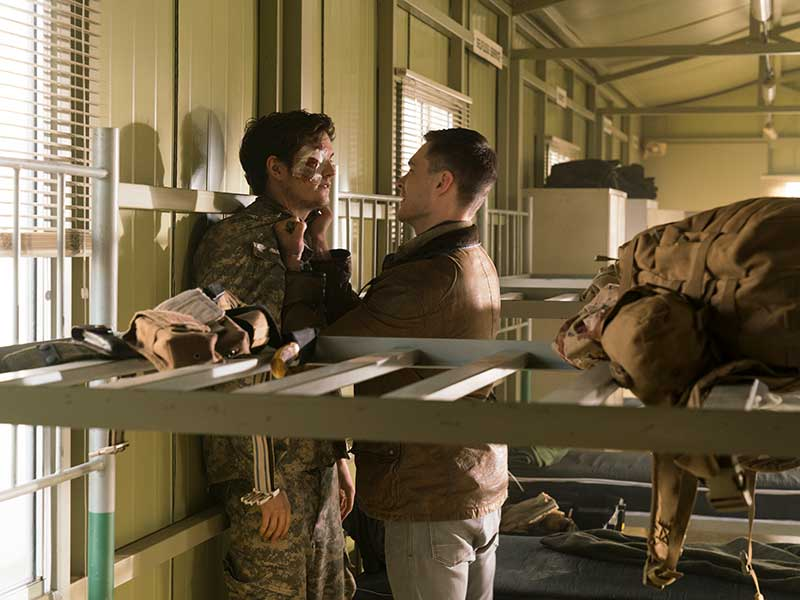 fear-the-walking-dead-episode-301-troy-sharman-jake-underwood-800×600-photos