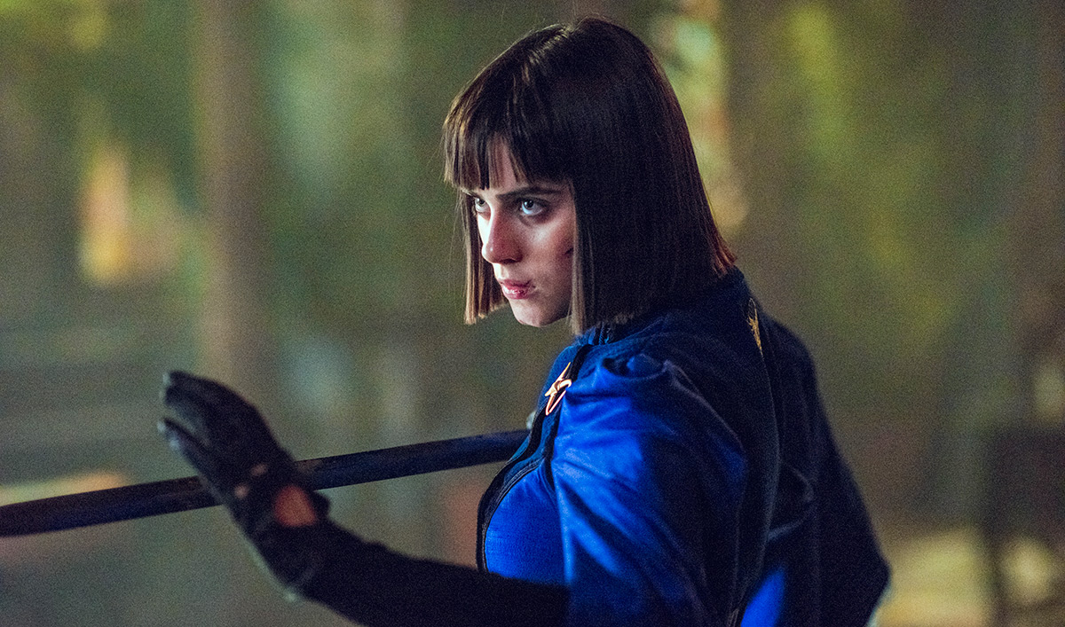 Extras for <em>Into the Badlands</em> Episode 9