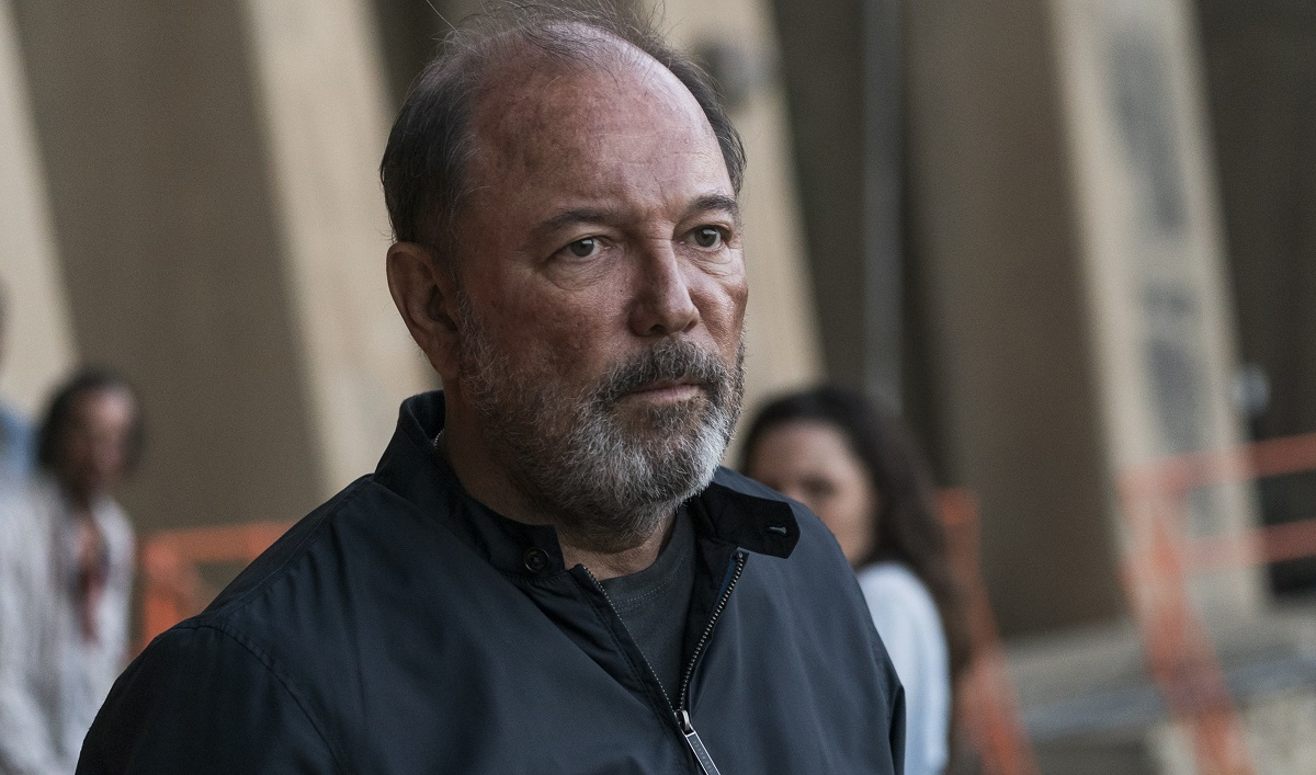 Sneak Peek of <em>Fear the Walking Dead</em> Episode 4 &#8212; Can Daniel Trust Strand? Can Anyone?