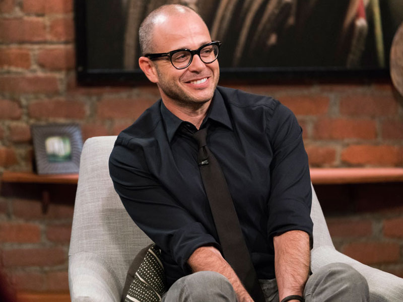 talking-with-chris-hardwick-episode-109-damon-lindelof-photos-800×600