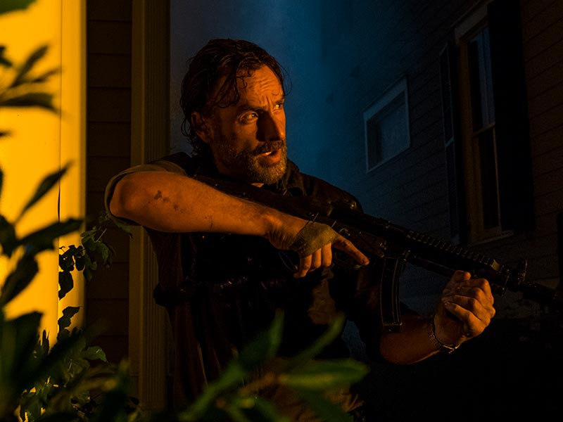 the-walking-dead-episode-808-rick-lincoln-800×600-inside