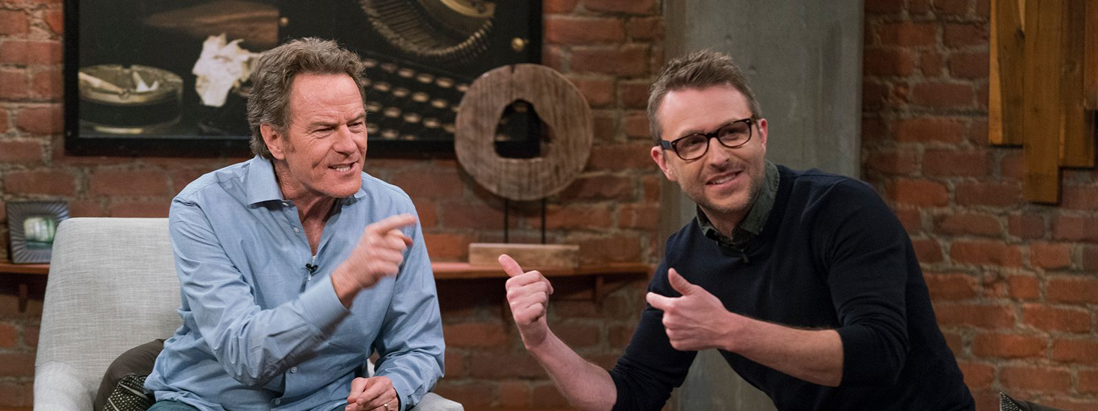 talking-with-chris-hardwick-episode-111-bryan-cranston-chris-hardwick-800×600