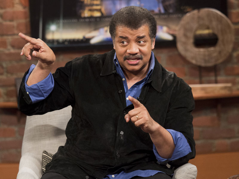 talking-with-chris-hardwick-episode-113-neil-degrasse-tyson-photos-800×600