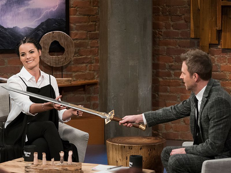 talking-with-chris-hardwick-episode-hero-112-jaimie-alexander-chris-hardwick-800x600