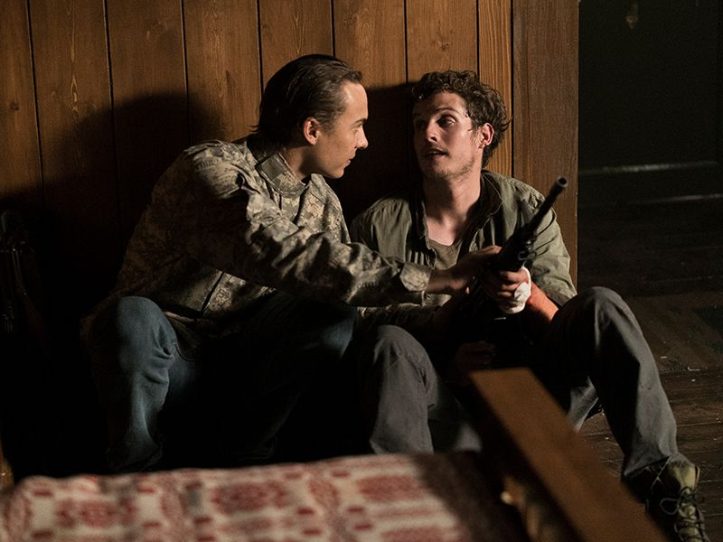 fear-the-walking-dead-episode-309-nick-dillane-troy-sharman-post-800x600