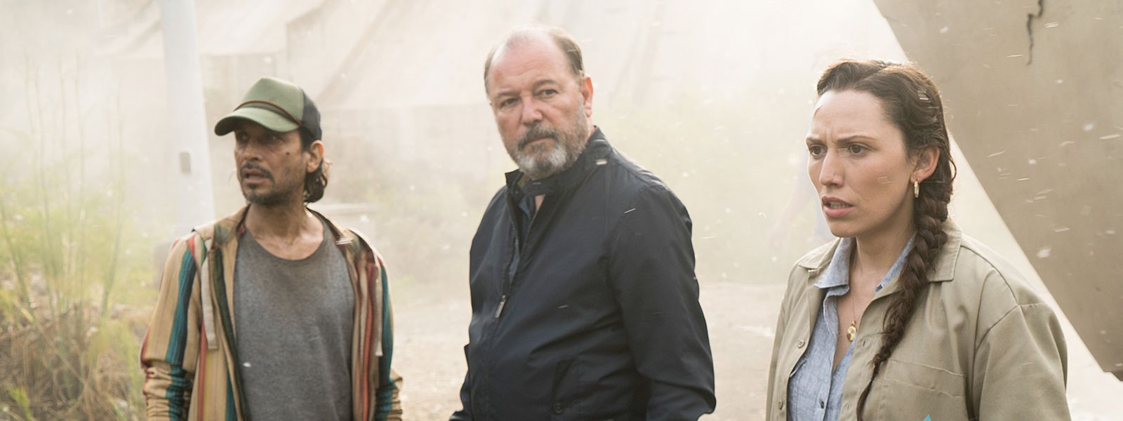 Fear The Walking Dead Season Episode And Cast Information