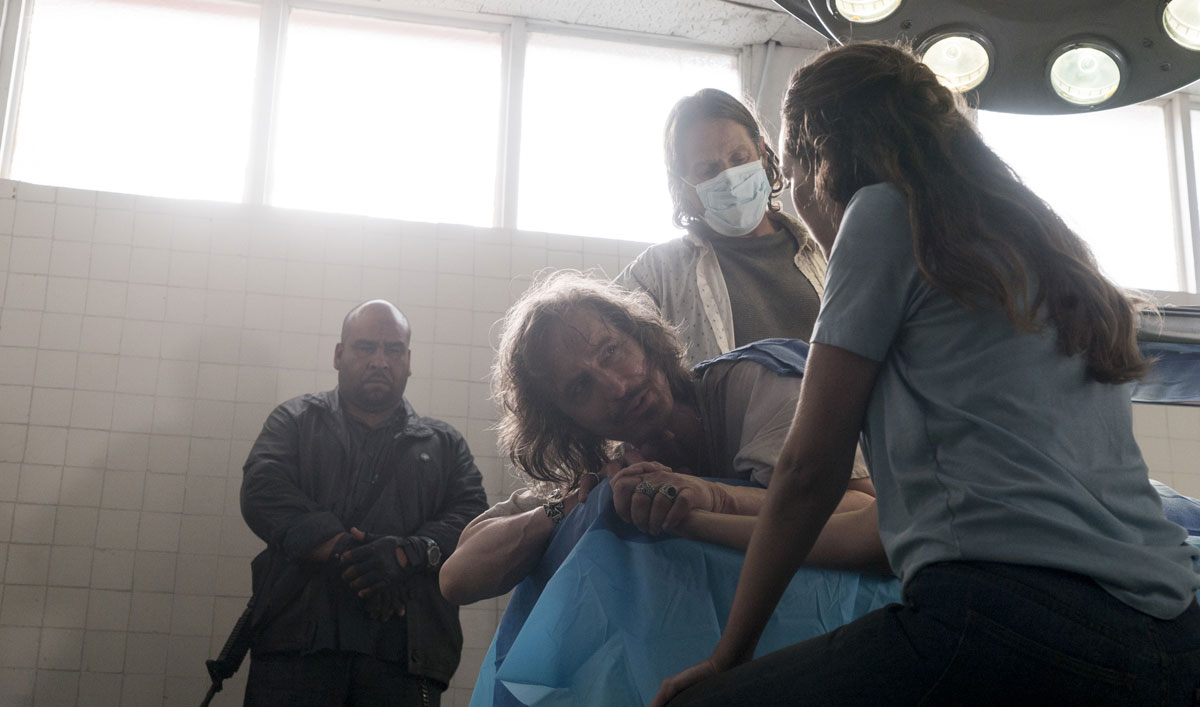 How the Crew Ensured Proctor John's Surgery Was Extremely Realistic in <em>Fear the Walking Dead</em> Episode 15