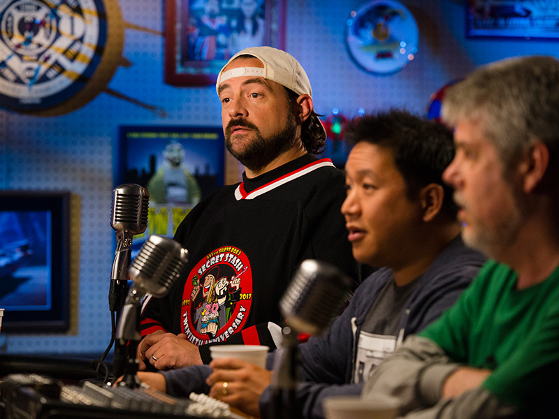 comic-book-men-701-kevin-smith-ming-mike-800x600