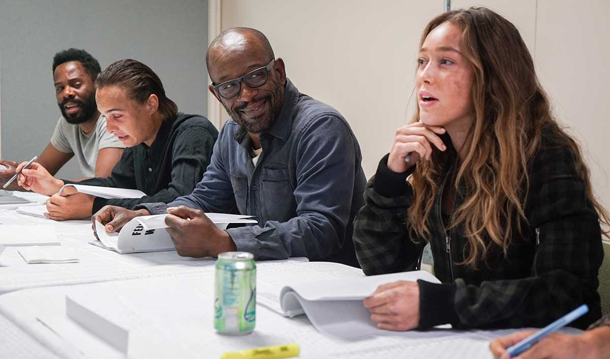 First Look at Lennie James on the Set of <em>Fear the Walking Dead</em>