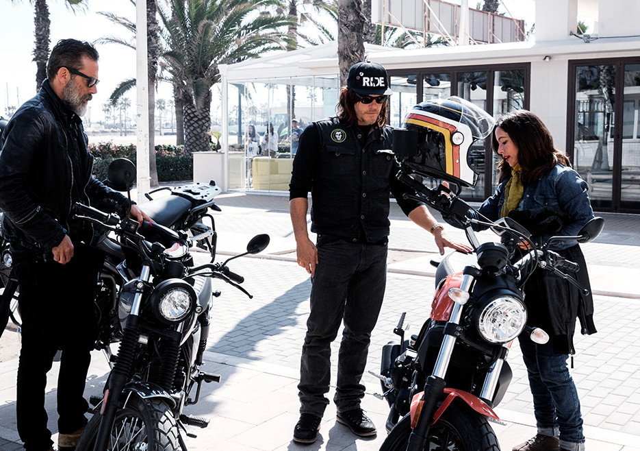 ride-201-jeffrey-dean-morgan-norman-reedus-alicia-sornosa-935