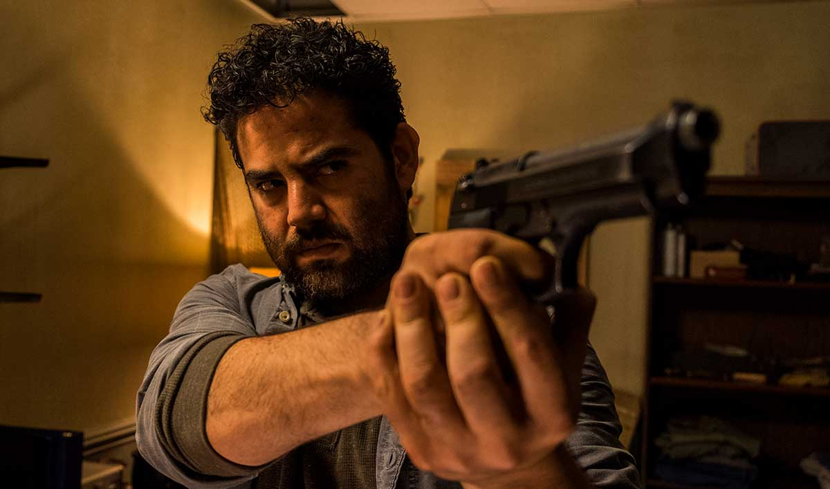 The Cast Reflects on Rick&#8217;s Brief Reunion With Morales in <em>The Walking Dead</em> Episode 3