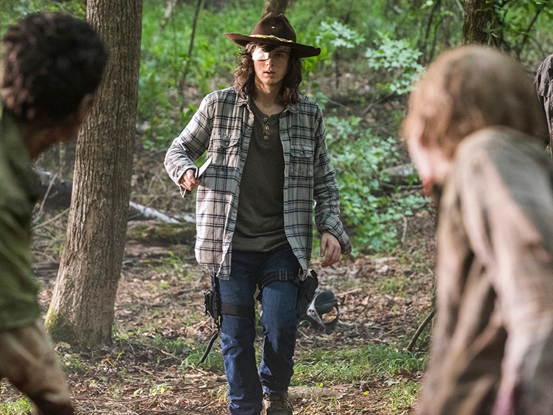 the-walking-dead-episode-806-carl-riggs-post-800x600