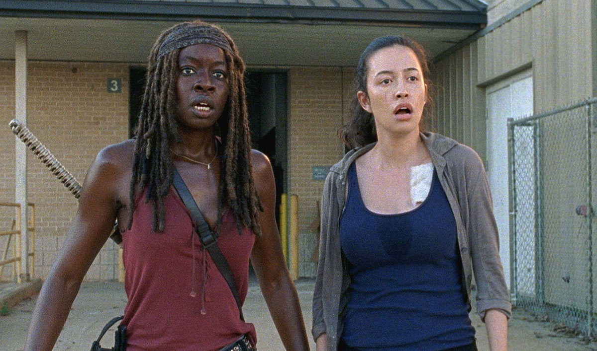 Rosita and Michonne Square off With Two Saviors in <em>The Walking Dead</em> Episode 6