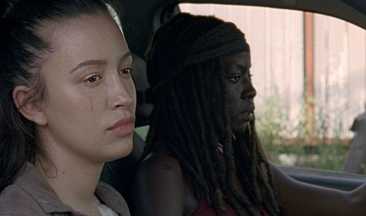 Sneak Peek of <em>The Walking Dead</em> Episode 6 — Michonne Can&#8217;t Stay Out of the Action