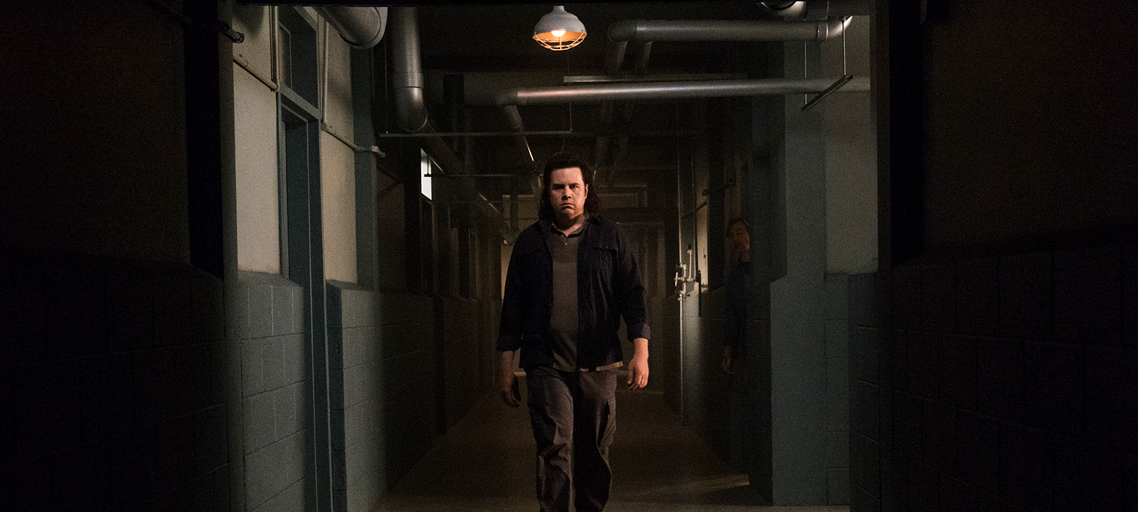 the-walking-dead-episode-807-eugene-mcdermitt-800×600-interview