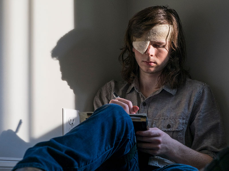 the-walking-dead-episode-809-carl-riggs-800×600-photos