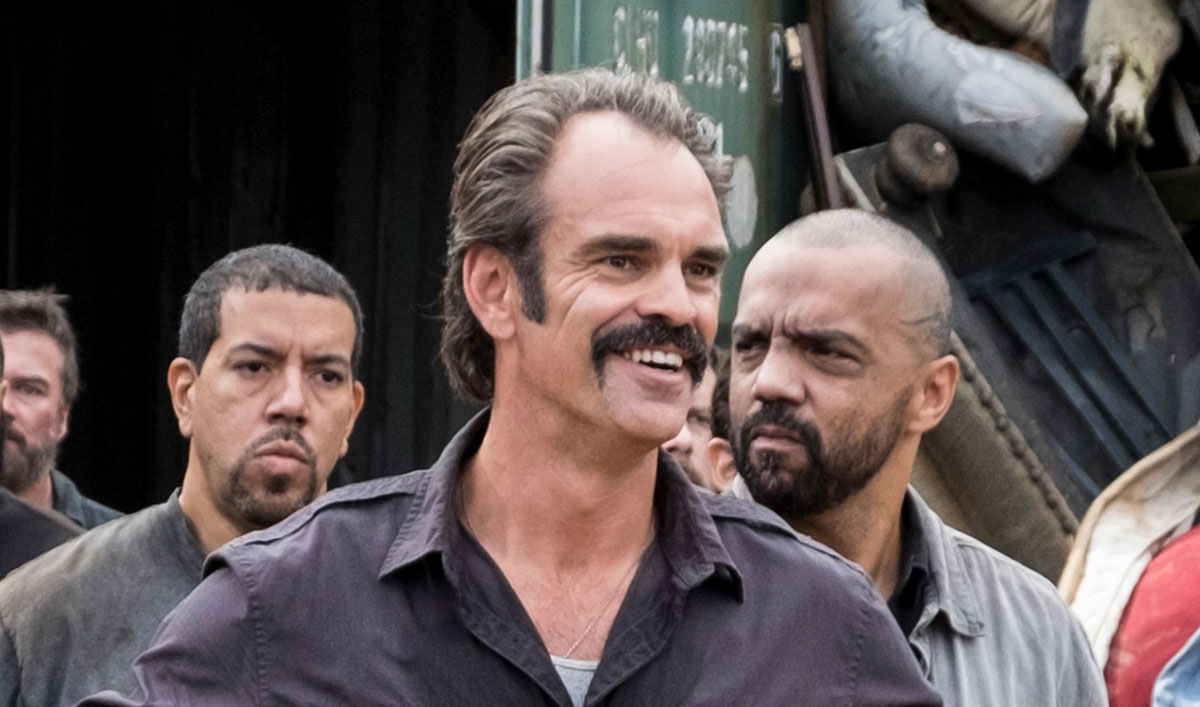 (SPOILERS) <em>The Walking Dead</em> Q&#038;A — Steven Ogg (Simon)