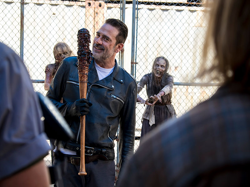 the-walking-dead-episode-811-negan-moran-800×600-inside