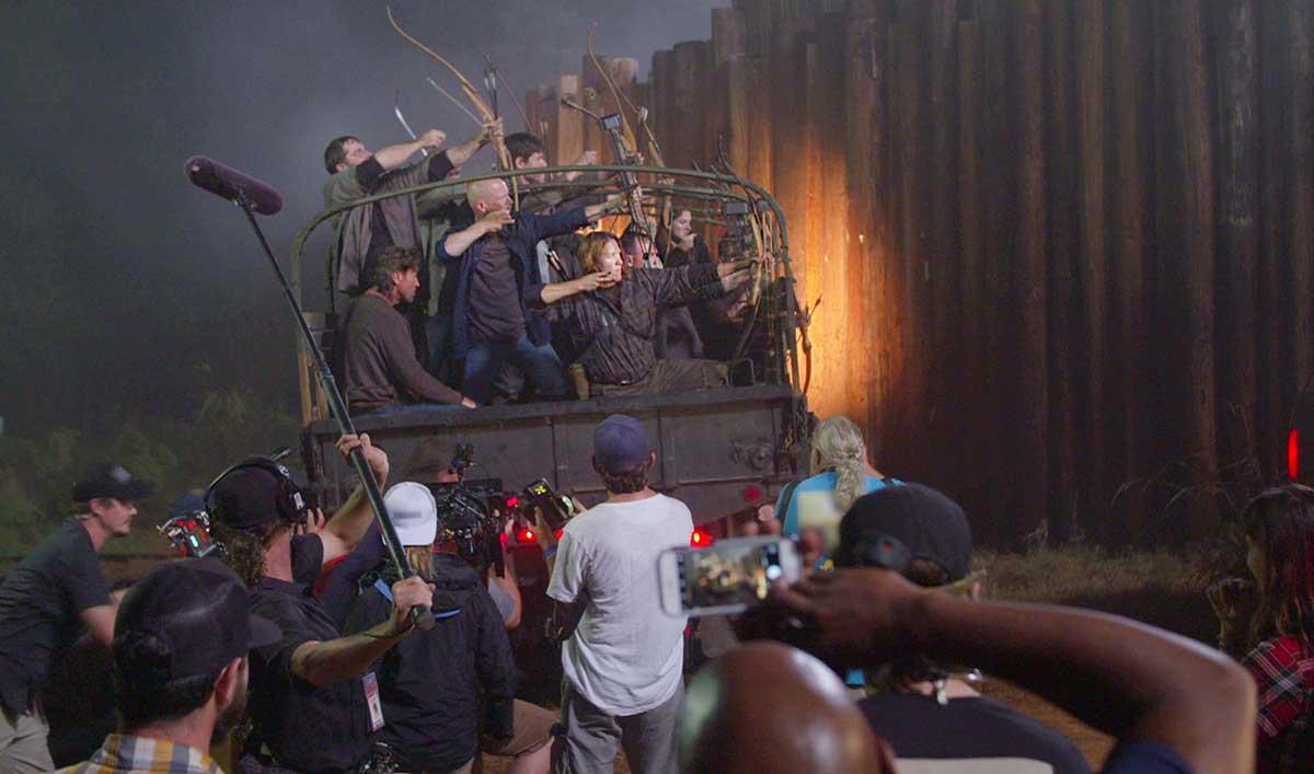 Lauren Cohan Reveals How They Made the Pitch-Dark Hilltop Battle in <em>The Walking Dead</em> Episode 13