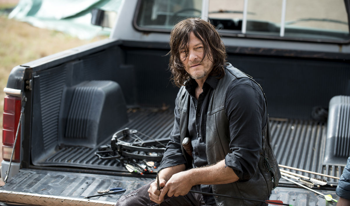 Sneak Peek of <em>The Walking Dead</em> Episode 14 — Daryl Wants to Go Hand-to-Hand Against the Saviors