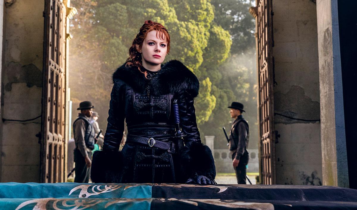 Extras for the <em>Into the Badlands</em> Season 3 Premiere