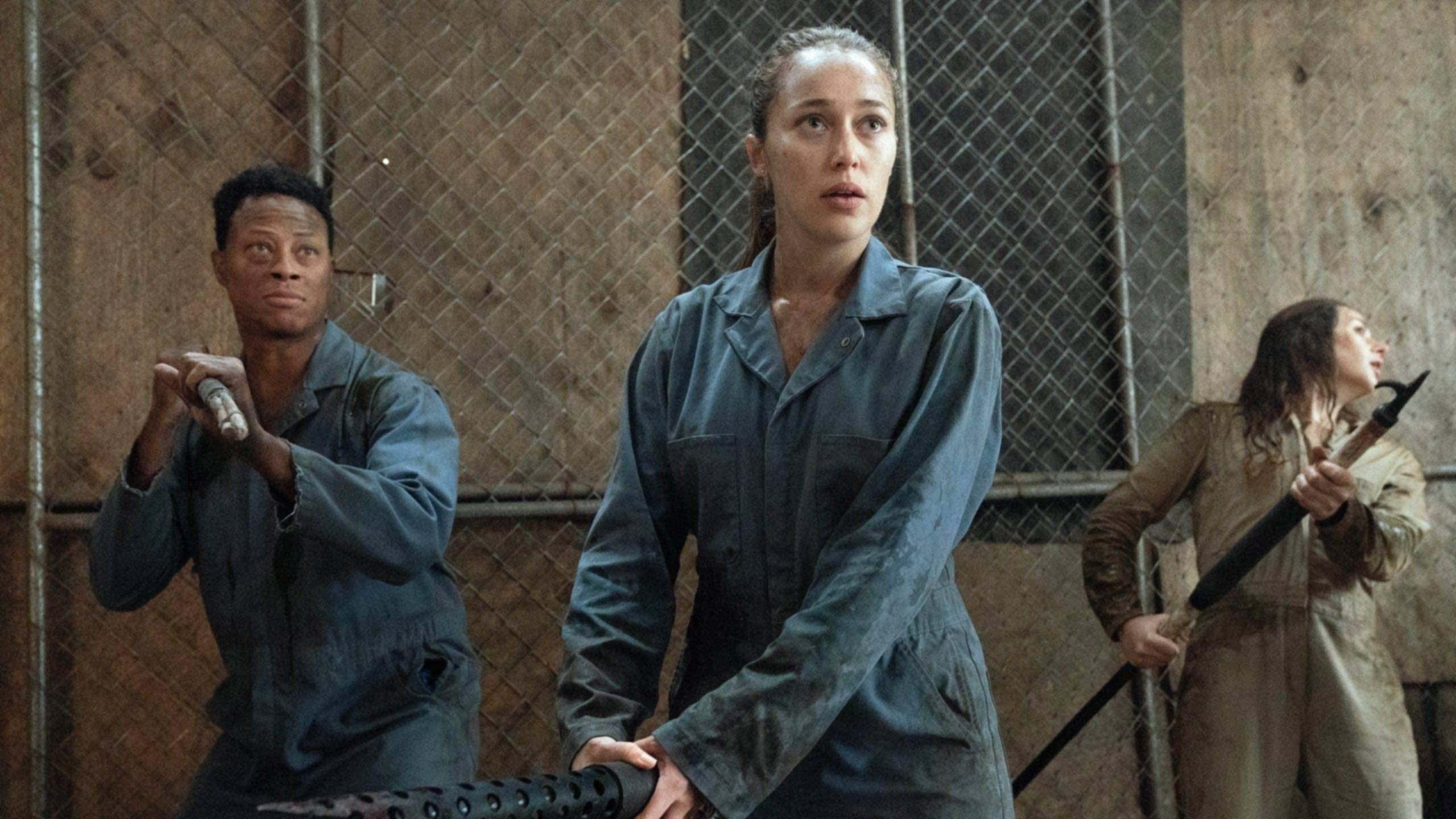 Fear the Walking Dead Season 2: Cast Talks Crossovers