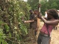 The cast and crew take you behind the scenes of the making of the kudzu scene.