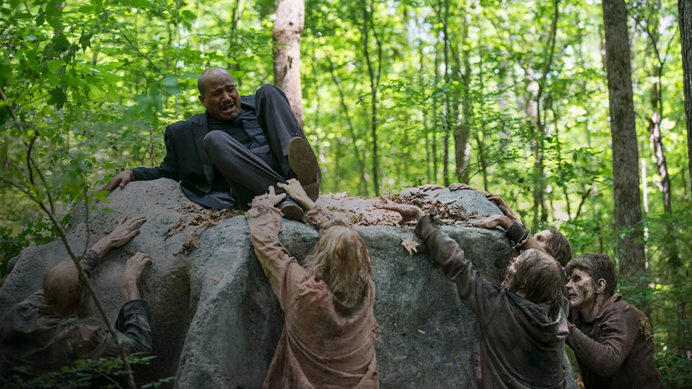 the-walking-dead-episode-502-gabriel-gilliam-980