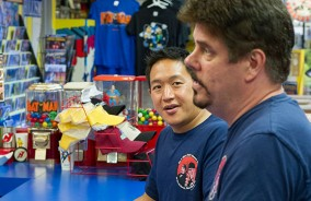 comic-book-men-episode-406-ming-mike-590