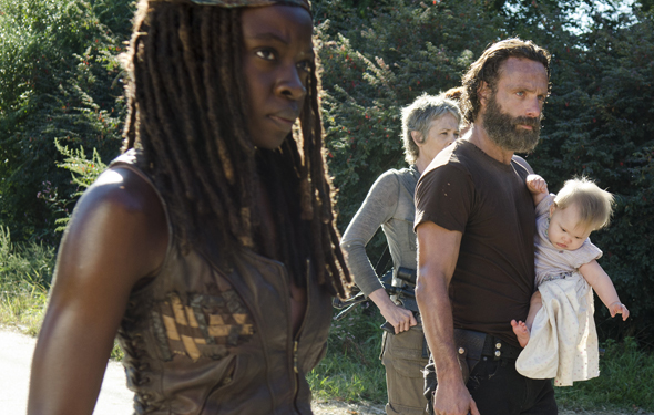 the-walking-dead-episode-512-michonne-gurira-rick-lincoln-photos-590