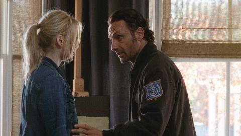The citizens of Alexandria struggle to cope with their recent loss, while Rick's desire to protect Jessie causes tension.