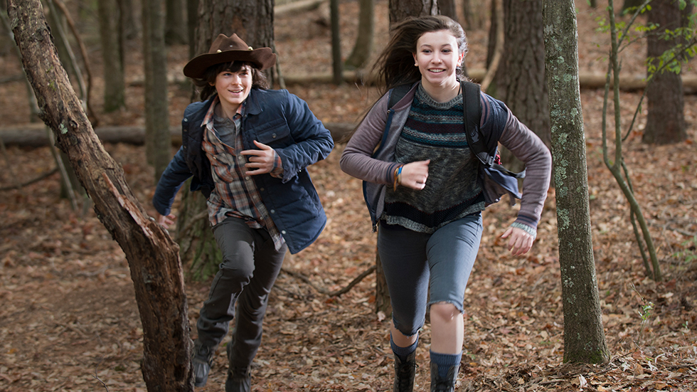 the-walking-dead-episode-515-carl-riggs-enid-nacon-post-980