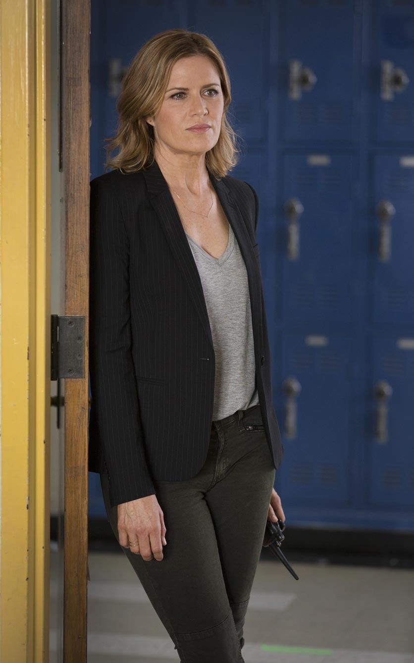 Kim Dickens as Madison – Fear the Walking Dead _ Season 1, Episode 1 – Photo Credit: Justin Lubin/AMC