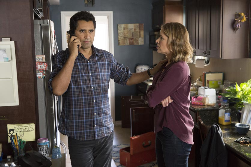 Cliff Curtis as Travis and Kim Dickens as Madison – Fear the Walking Dead _ Season 1, Episode 1 – Photo Credit: Justin Lubin/AMC