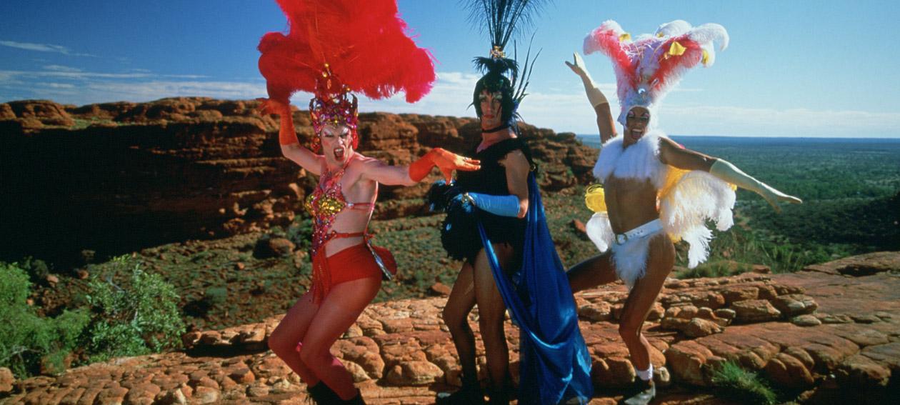 Las aventuras de priscilla reina del desierto amc espa a for Aida piscina reina del desierto