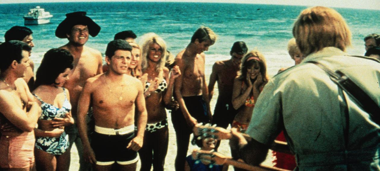 bikini-beach-1260x567