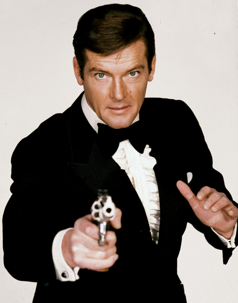 roger-moore-james-bond-2