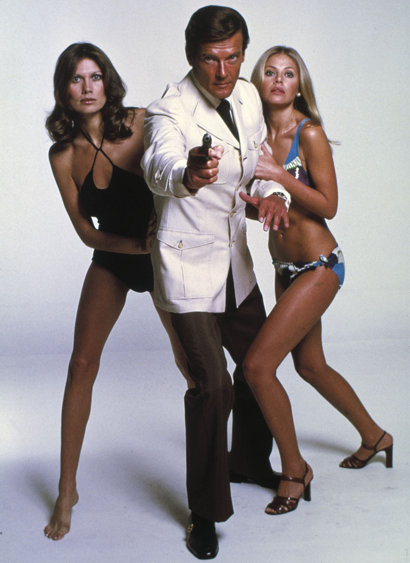 roger-moore-james-bond-7