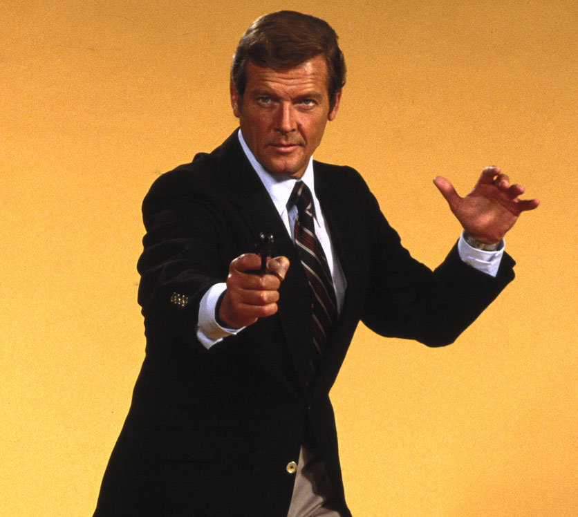 roger-moore-james-bond-8