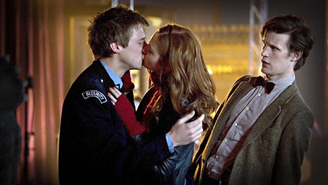 Amy and Rory kiss