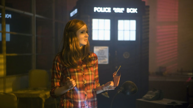Amy Pond and the TARDIS