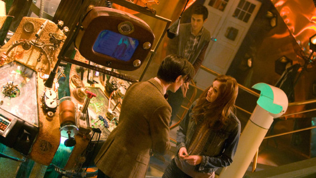 The Doctor speaks with Amy in the TARDIS